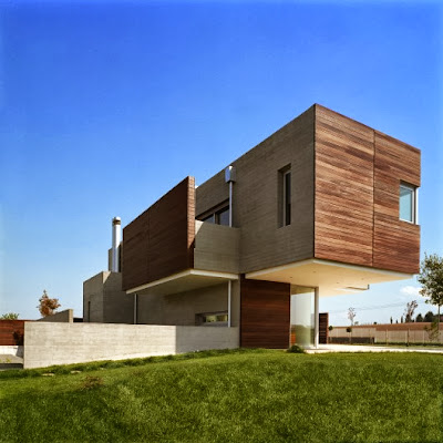 suburban house design in contemporary shape of wide cubic