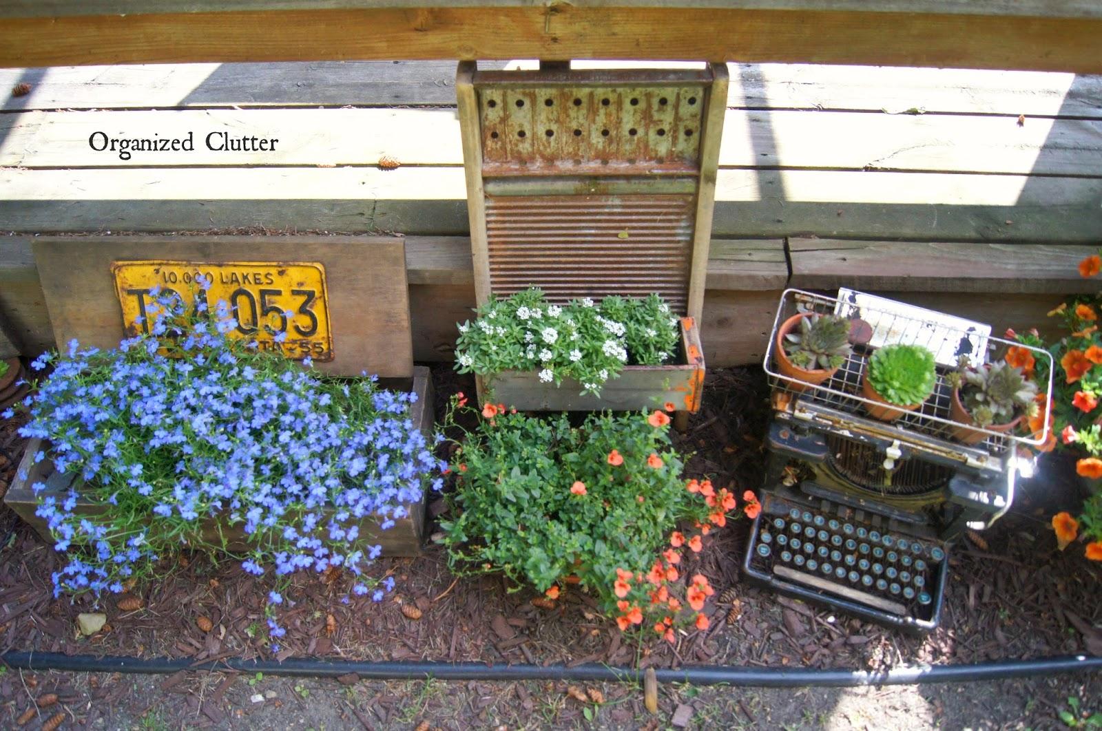 Junk Garden Vignette www.organizedclutterqueen.blogspot.com
