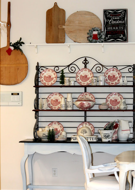red white dishes, blog home tour