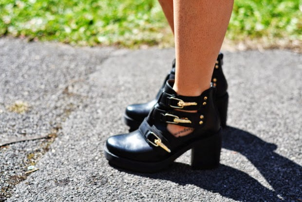 Topshop-chunky-cut-out-boots-black-leather-gold-buckles