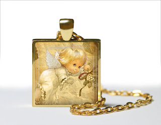 Digital Photo template for shiny gold pendant
