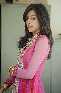 Vithika Sheru Gorgeous Pictures Gallery 005