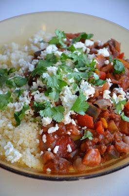 Couscous met tomaten, aubergine en kaneel.