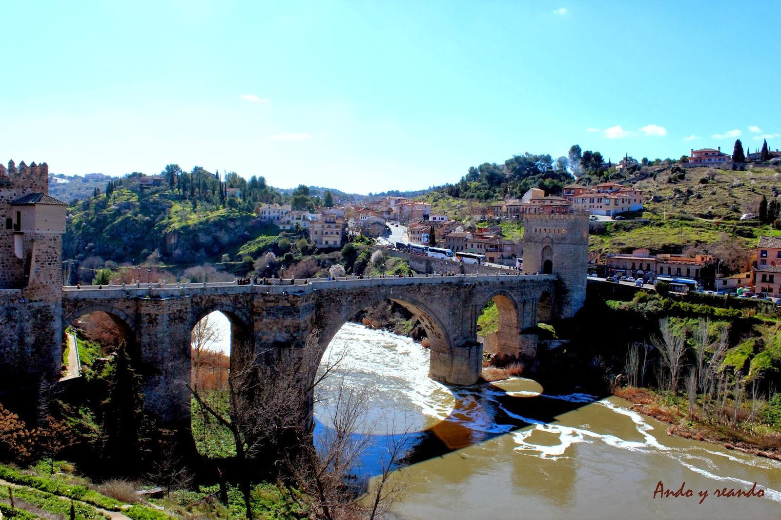 Puente de San Martín y Los Cigarrales