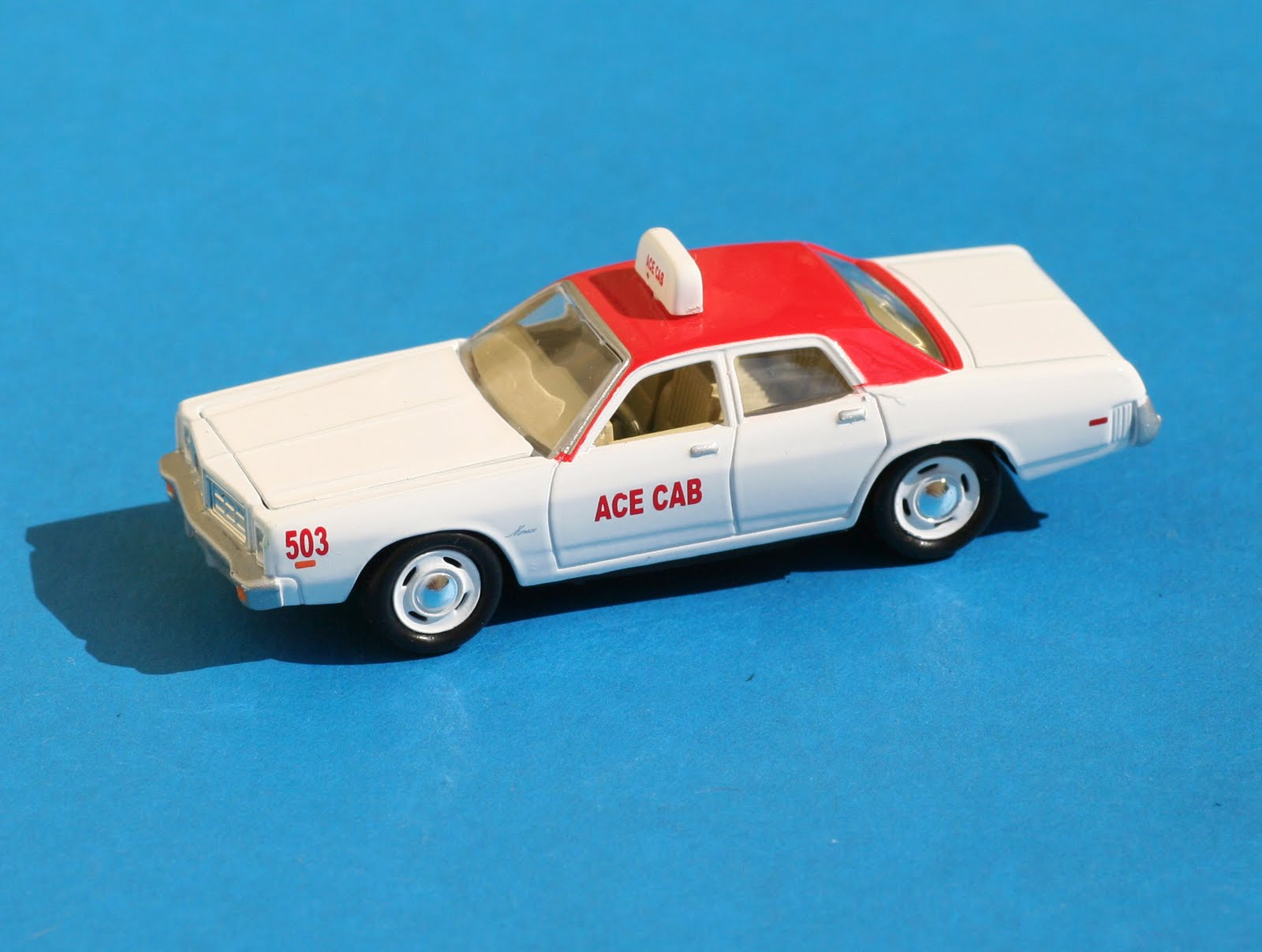 Incredible mini garage dodge monaco 1977 taxi johnny for Garage mini monaco
