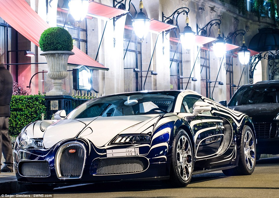 It Is A One Off Veyron Lu0027Or Blanc   Or White Gold, What Makes It So Special  Is That It Has Been Designed With Blue And White Swirly Paintwork, Its  Exterior ...