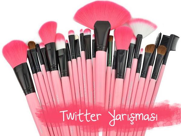 Twitter Yarışması | Pembe Makyaj Fırçaları