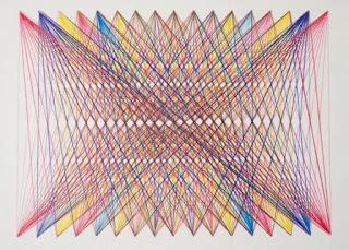 pola abstrak dari benang dan paku
