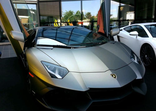 May 2013 car information supercar roadster titans owner grigio paint similar to the predecessor is paired reventon supercar coupe and roadster reventon publicscrutiny Gallery