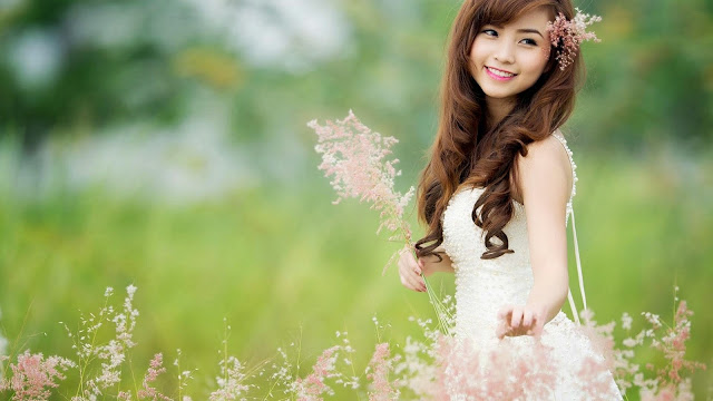 2118-Cute Girl With Flowers HD Wallpaperz