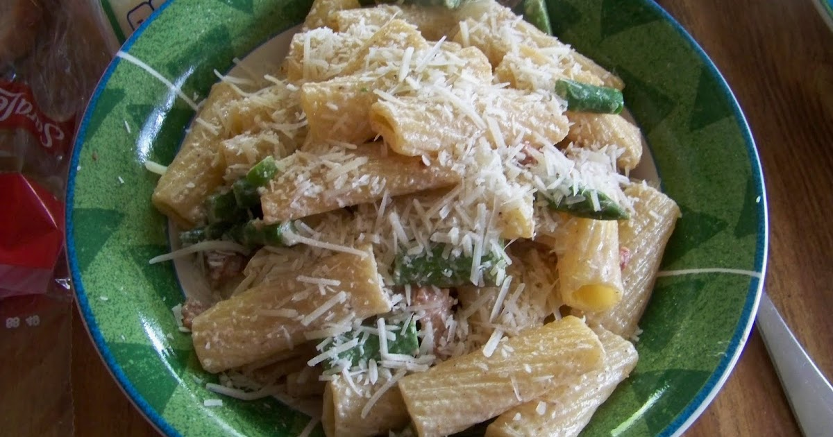 Connor's Cooking: Rigatoni with Bacon and Asparagus