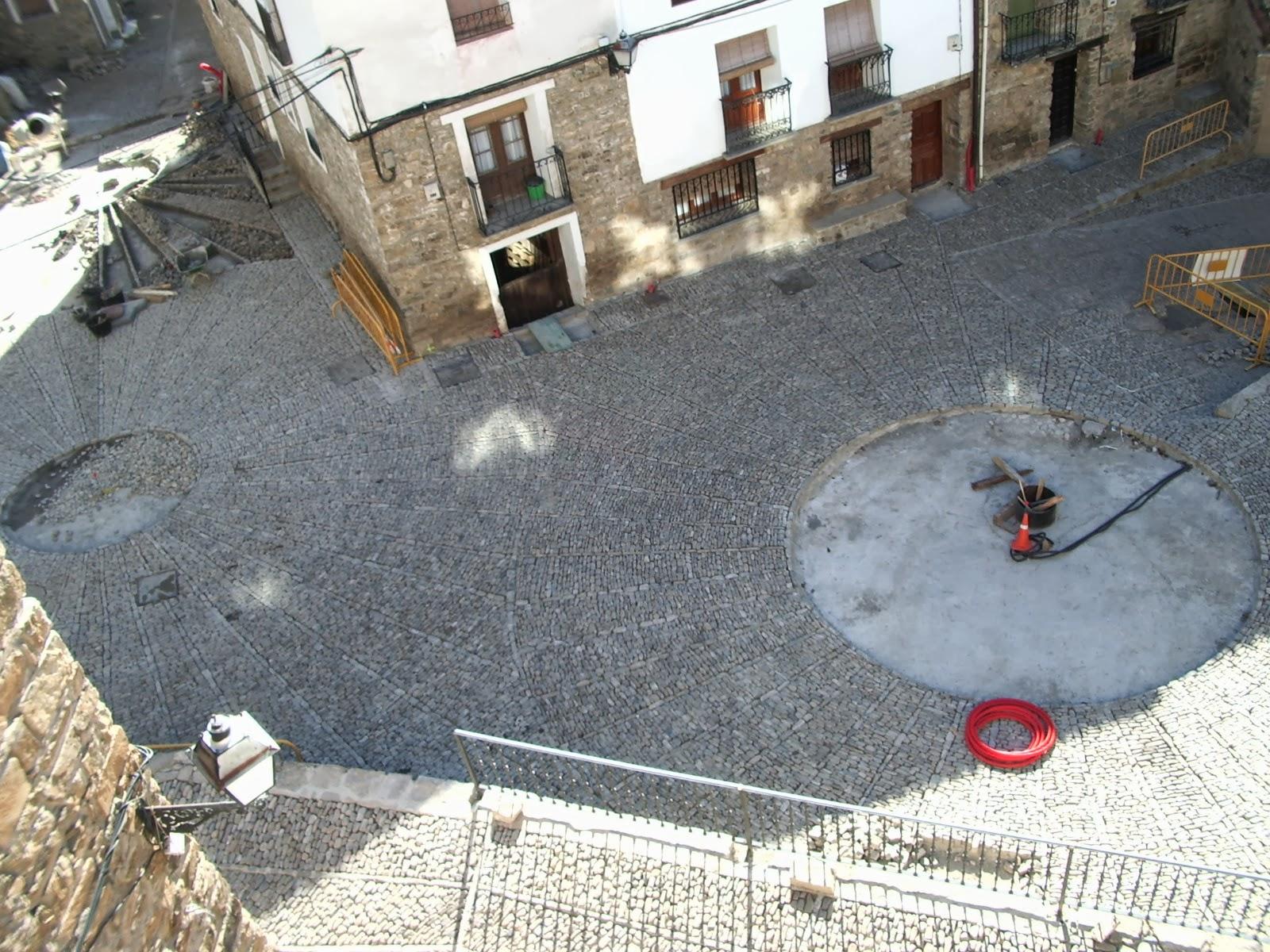 Los tres círculos de la Plaza del Olmo y la calle de D. Francisco Martínez Cabezón para convertirse en una sóla Plaza. San Román de Cameros