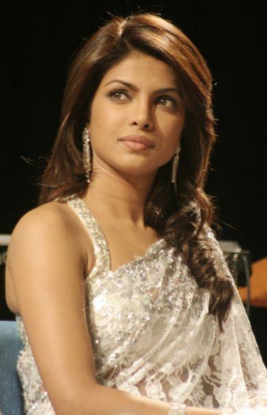 Top Hd Bollywood Wallapers: priyanka - 38.3KB