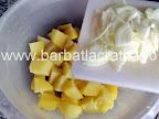 Salata de cartofi cu maioneza si peste marinat preparare reteta