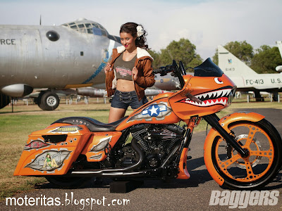 baggers-custom-bike-rider-airport-orange-wallpaper