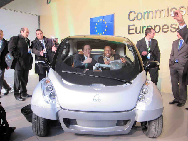 هيريكو ... سيارة المدينة ... سيارة المستقبل القادمة s-Ryan-thumbsup.jpg
