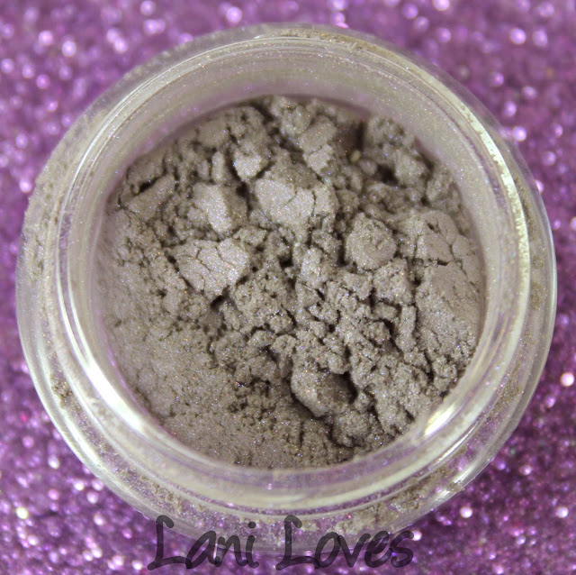Notoriously Morbid Noble Sirs eyeshadow swatches & review