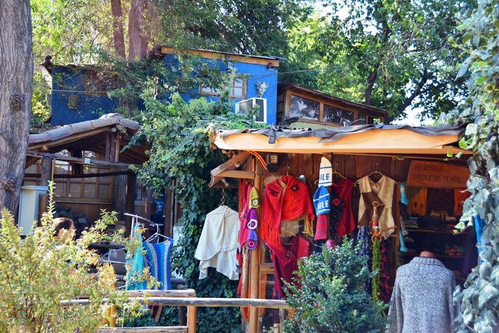 Centre Artisanal de Los Dominicos Santiago clothing