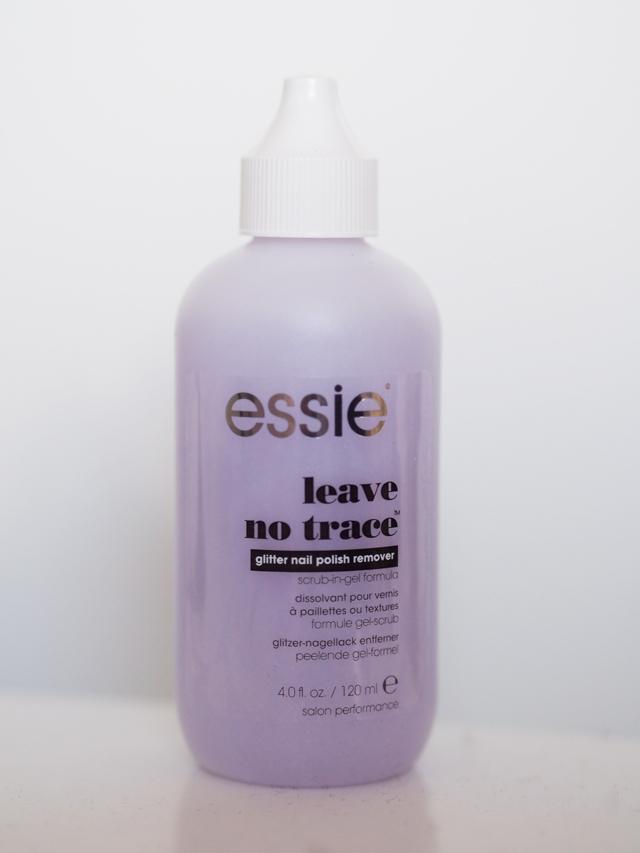 Tuhannet mun kasvot: Essie - Glitter nail polish remover
