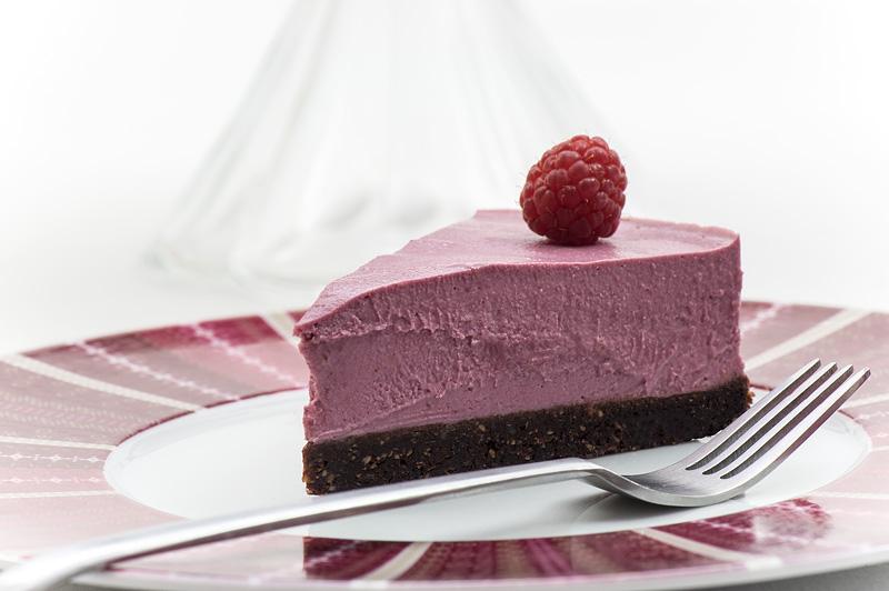 Raw raspberry cake one piece front