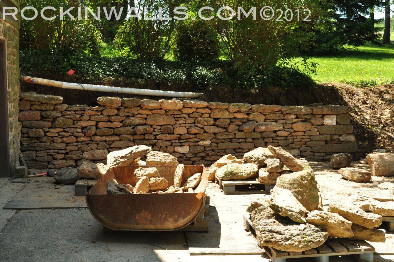 http://4.bp.blogspot.com/-am1eoXIZGAg/T9u9hUrh3TI/AAAAAAAACIo/0r0accSpunw/s1600/WM+24+Last+cap+Glenville+Dry+Laid+Stone+Retaining+Wall.jpg