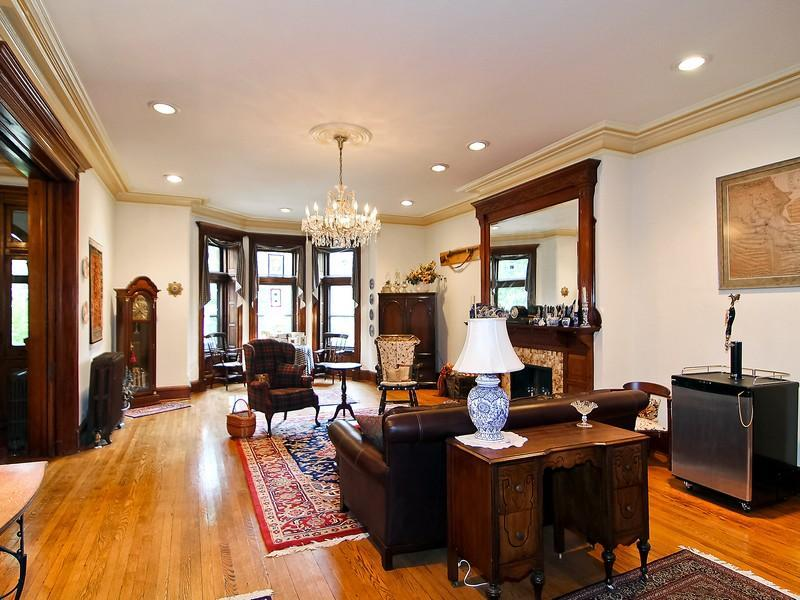 Row House Inside : Victorian gothic interior style