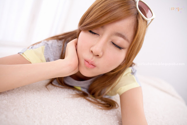 Choi-Byul-I-Yellow-and-Grey-05-very cute asian girl-girlcute4u.blogspot.com