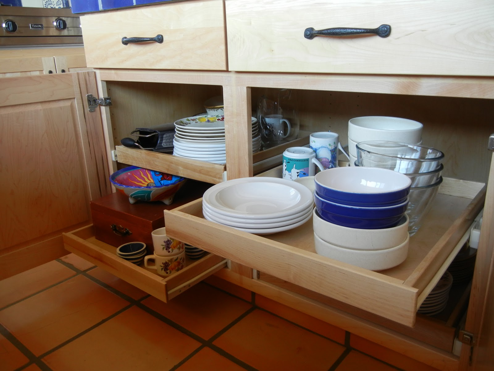 Kitchen Cabinets with Slide Out Shelves