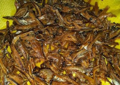 Resepi Telur Goreng Hancur Dengan Ikan Bilis