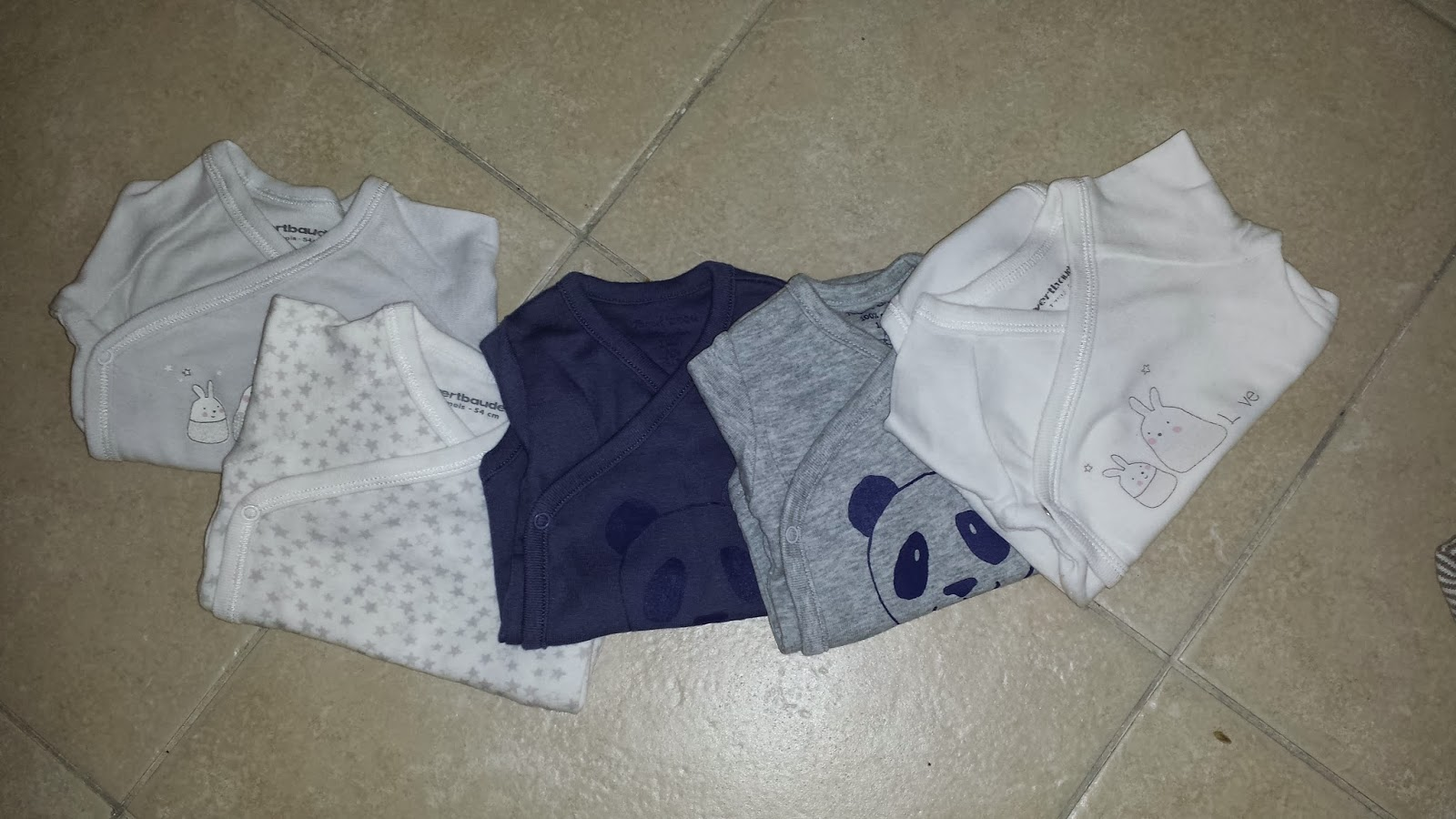 la cosmetic junkie la valise maternit partie 2 le s jour de b b. Black Bedroom Furniture Sets. Home Design Ideas