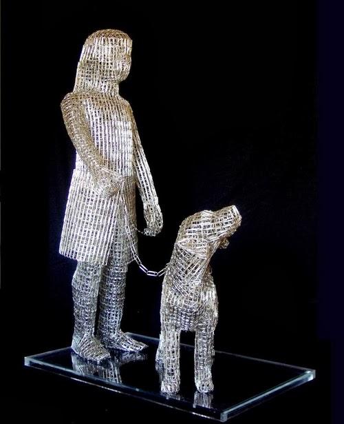 05-Taking-Casper-for-a-Walk-Italian-Artist-Pietro-DAngelo-Paper-Clips-Sculptures-www-designstack-co