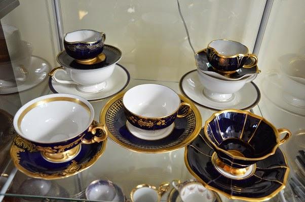 kobaltowa porcelana
