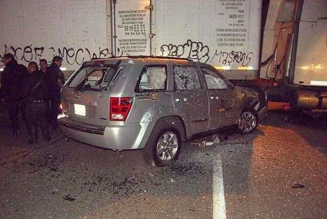 Jeep blindado resiste más de 350 balazos y varias granadas en México.