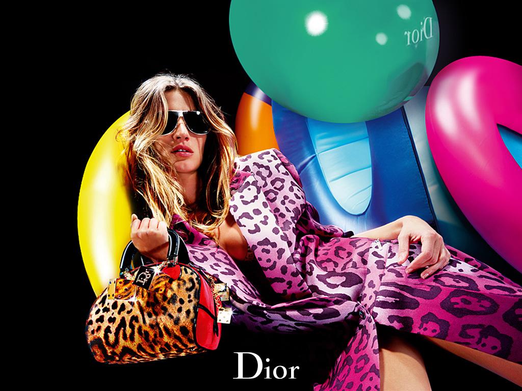 http://4.bp.blogspot.com/-andeBQBjsbg/UFwbeO_tdVI/AAAAAAAAAVY/5HqWItL-on4/s1600/3D_Fashion1.jpg