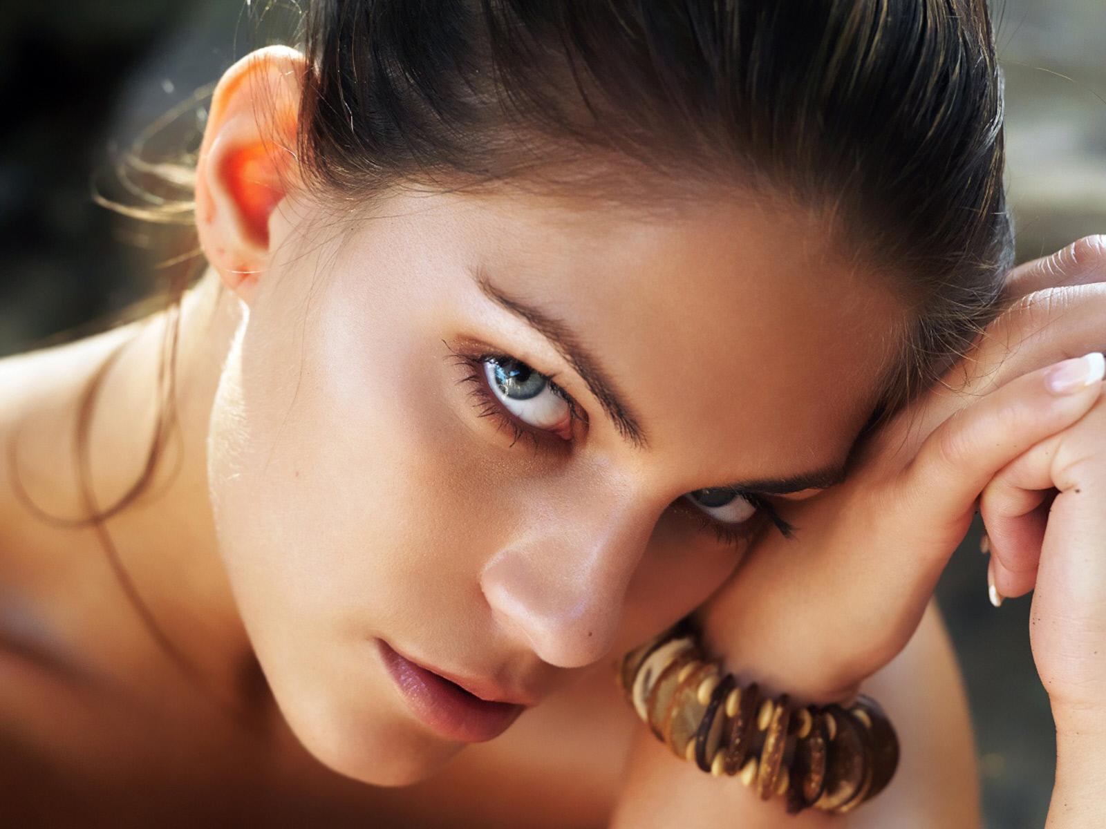 http://4.bp.blogspot.com/-anjUTQg7ogA/TVkS-PeBtiI/AAAAAAAACCY/pjHmIfiBs-s/s1600/models+hot+wallpapers.jpg