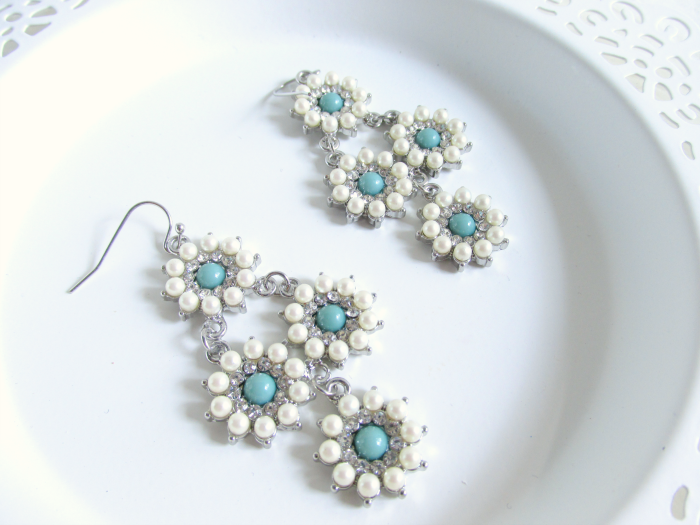 Girl Intuitive - Silver Pearl Daisy Drop Earrings