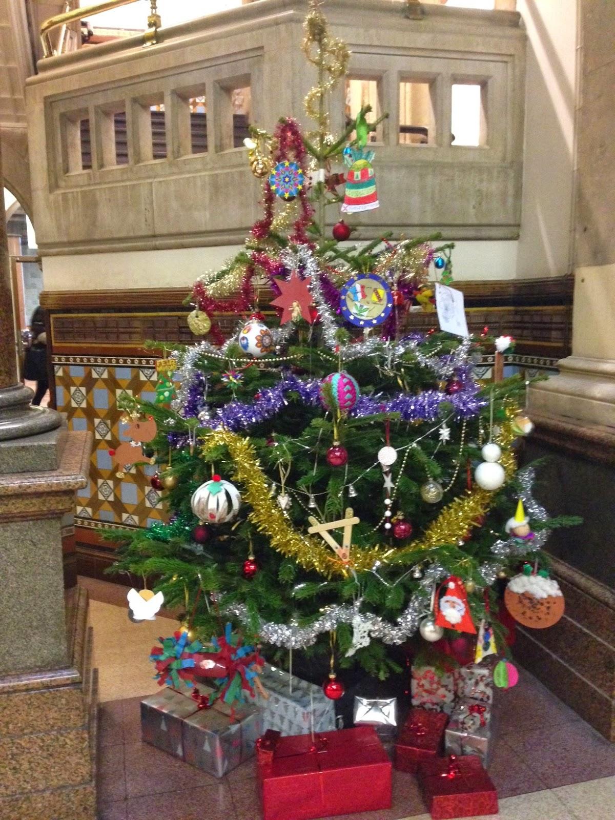 "A Carol A Day – ""O Christmas Tree"" – Europe Direct Leeds"