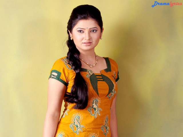 Prajakta Mali HD Wallpaper Beautiful Indian Lady