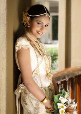 Sri lankan bridal dresses a creative life for Sri lankan wedding dress