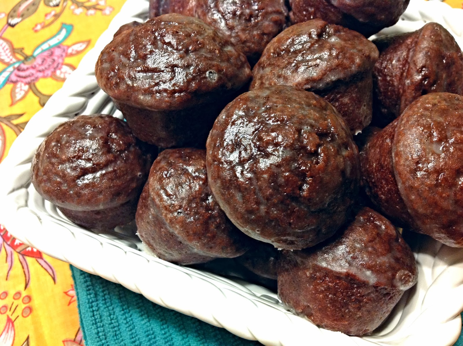 the dog mom: chocolate cake donut mini muffins