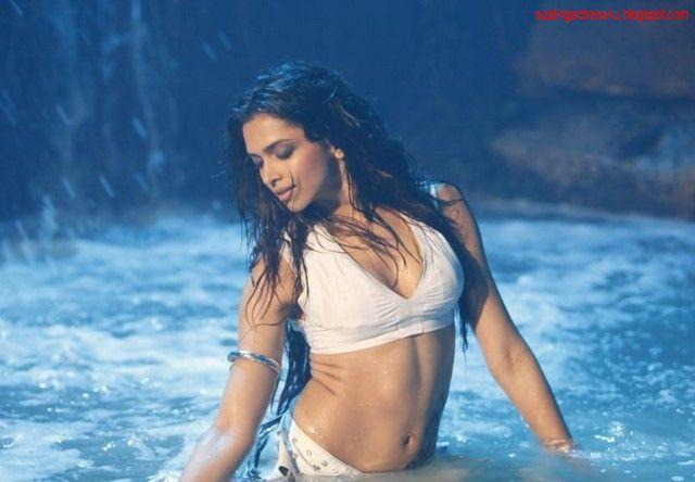Deepika Padukone Hot In Dum Maro Dum