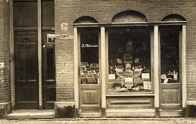 Tobacconist shop A. Melessen in Amsterdam