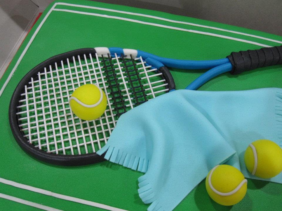 tennis racquet cakes