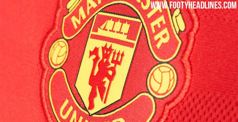 Nuevas fotos oficiales de la camiseta titular adidas del Manchester United
