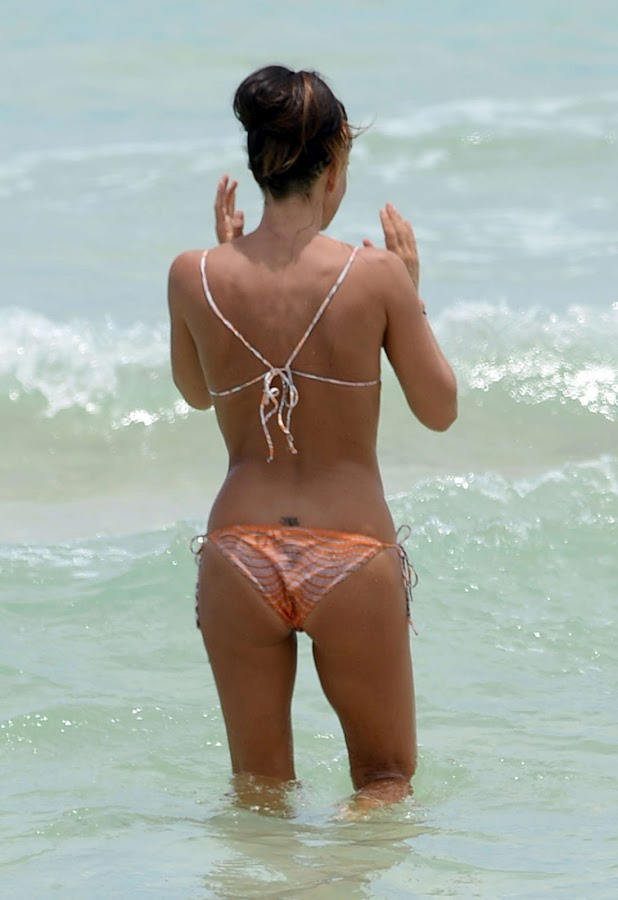 GABRIELLE ANWAR grat body for a tiny bikini
