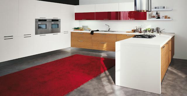 cocina roja y roble