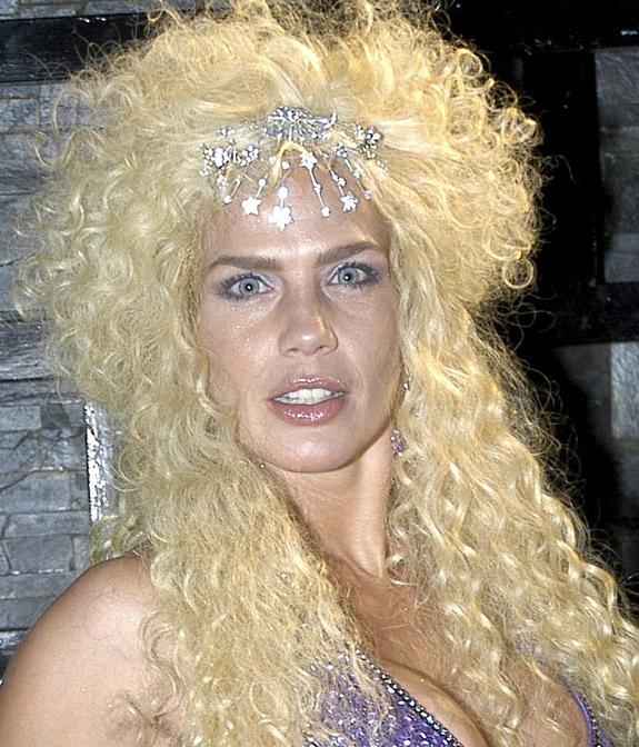 Beautiful blonde shemales nude