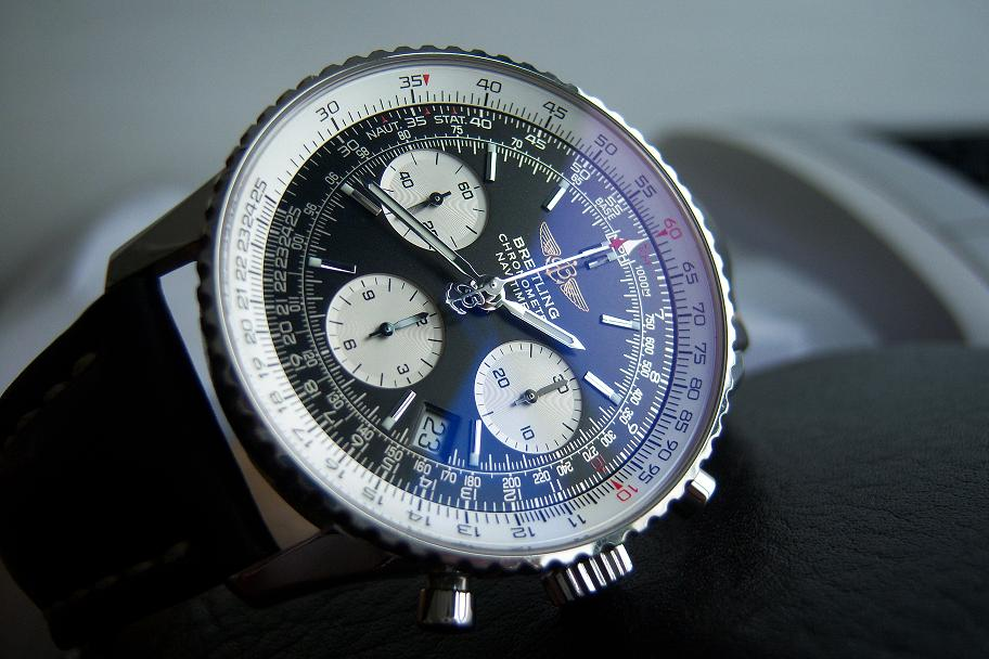 Jam tangan for sale breitling navitimer a23322 sold for John travolta breitling