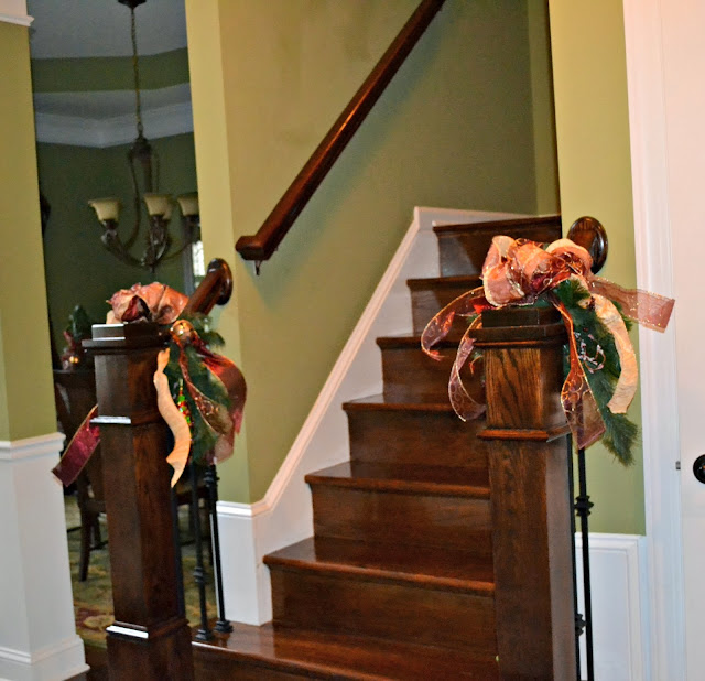 stair rail christmas decor