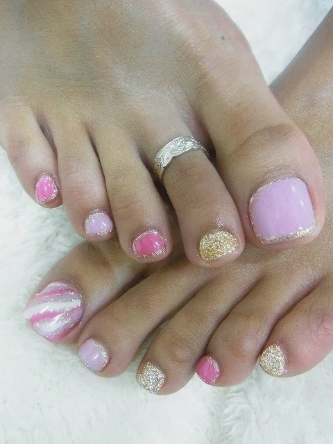 acrylic toe extensions, led polish and glitz nail art design